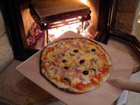 pizzaofenwelt pr sentiert pizza casa der pizzastein f r den kaminofen. Black Bedroom Furniture Sets. Home Design Ideas